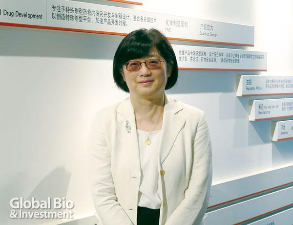 東曜藥業CEO黃純瑩