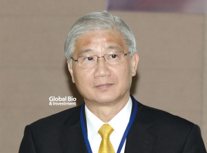 台灣大學校長楊泮池博士