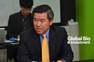 陳其宏-明基三豐醫療器材董事長-促進中小企業的資源互通和通路合作,放大產業規模,創造讓國際市場以台灣為優先採購對象的優勢,使身段靈活的ICT產業轉型為醫電聚落。」