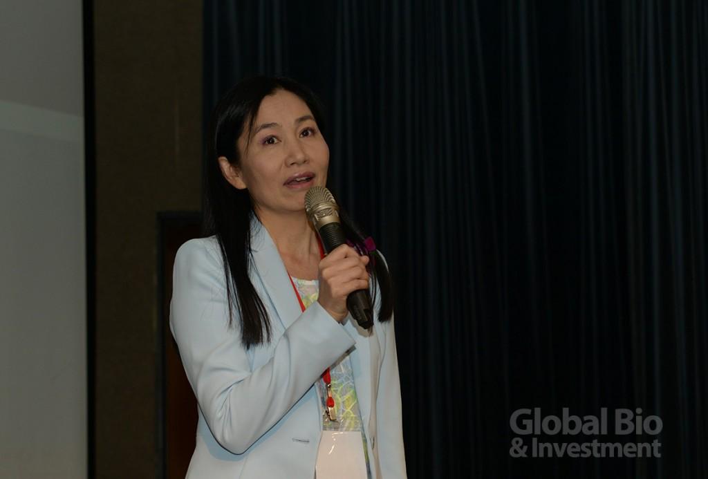 衛福部食藥署吳秀梅表示,全球已成為地球村,各國的醫藥法規審查及技術間的溝通更加重要。(攝影/林嘉慶)