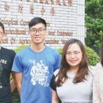 苗栗農改場生物防治分場長盧美君(右)與其研究團隊。