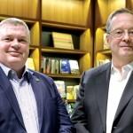 IDA Ireland東協暨臺灣區負責人Gerard Whitty (左)以及執行副總裁兼亞太區總監John Conlon (右)。