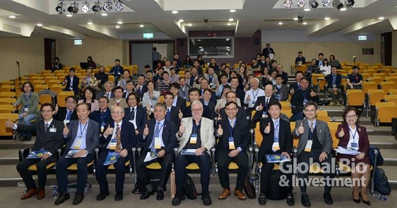 台灣再生醫學學會於亞東紀念醫院舉辦國際研討會