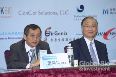 左為:台灣研發型生技新藥發展協會張鴻仁理事長。(攝影:林嘉慶)