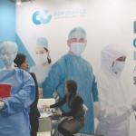 臺灣區醫療器材公會每年都會組團前往參展,並舉辦臺、日交易洽商會。 (圖為臺灣醫療服裝生產公司COPIOUMED的攤位)