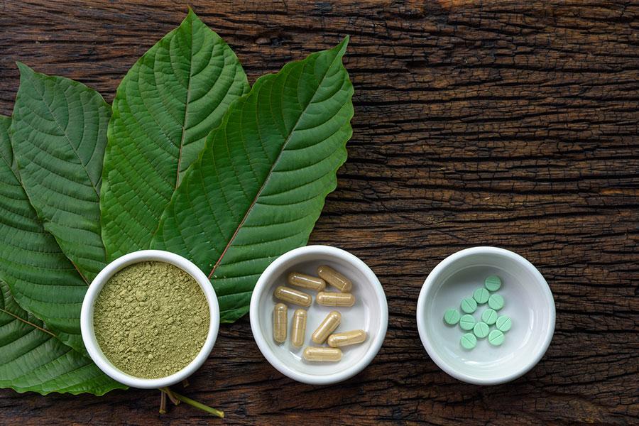 FDA打擊非法鴉片類藥物 僅告消費者不要使用Kratom產品。(圖片來源:網路)