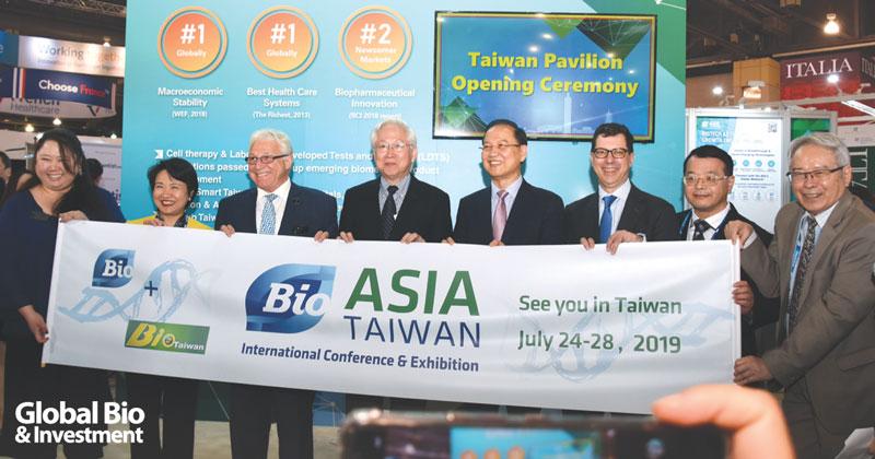 BIO大會主席James C. Greenwood (左三)參加臺灣館開幕活動並宣傳即將於7月份在臺北舉辦的Bio Asia-Taiwan。