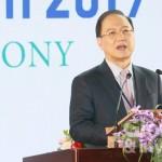 台灣生技產業協會理事長李鍾熙表示,期望透過本次大展,使臺灣成為國際生技樞紐。(攝影:彭定凱)