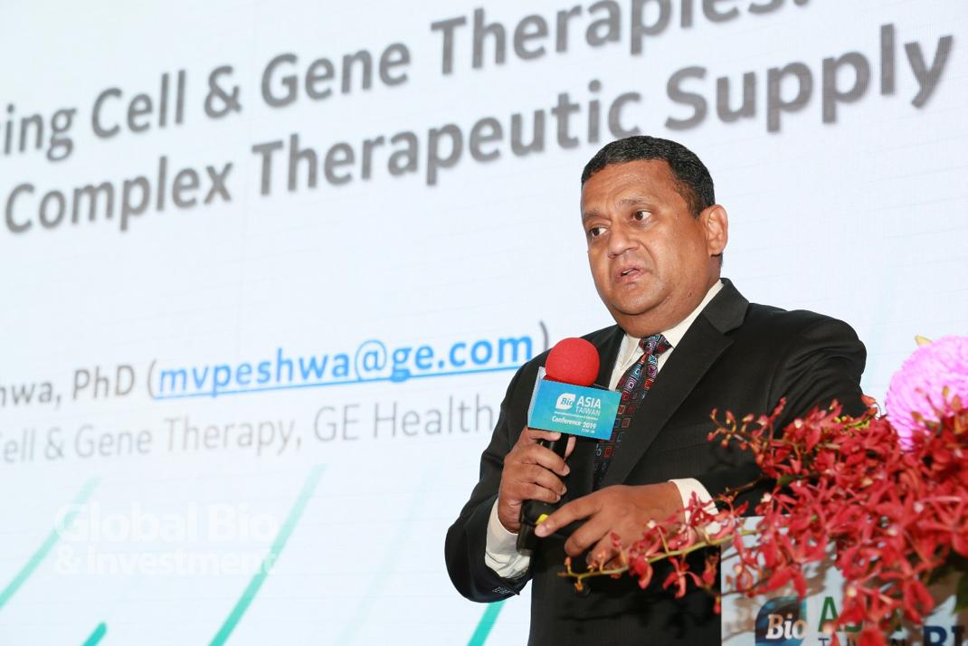 Madhusudan Peshwa以GE Healthcare的CDMO定位出發,說明如何管理一個複雜的細胞治療產業鏈。(攝影:彭定凱)