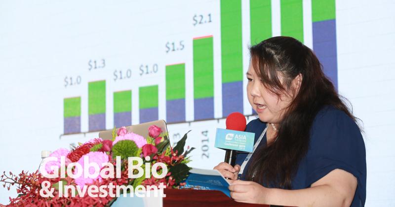 全球BIO國際事務執行理事長Monica He分享亞洲生技政策與生態圈的發展。(攝影/彭定凱)