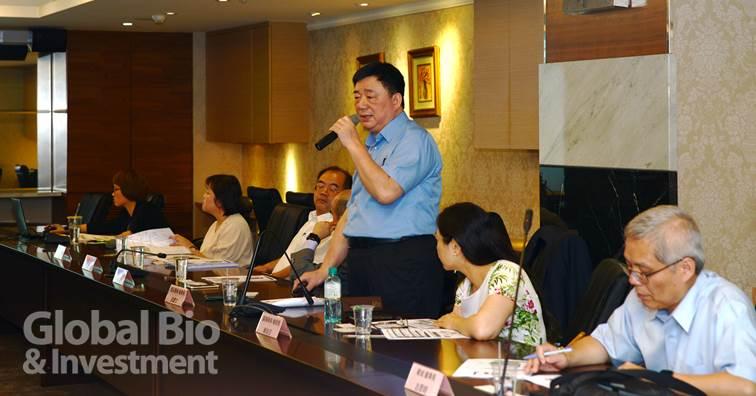 盛弘(8403)於今(23)日舉辦第二季(Q2)法人說明會。圖中:盛弘醫藥董事長劉慶文。