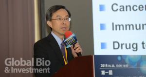 中研院細胞與個體生物學研究所吳漢忠博士,分享利用微脂體技術可提升抗癌藥療效,降低副作用。(攝影/林嘉慶)
