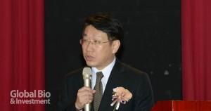 陽明大學副校長楊慕華分享找到用於對抗具抗藥性癌症之組合物之方法 (攝影/林嘉慶)