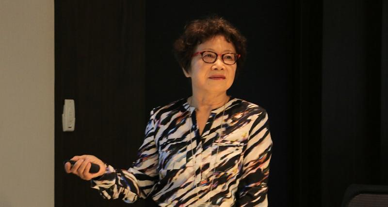友霖總經理羅麗珠表示,集團藥物研製布局有成 友杏癌症針劑廠建置完工。(圖片/劉端雅)
