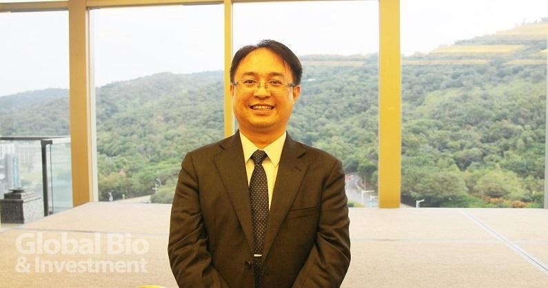 董事長兼總經理梁晃千表示,臺微醫十年研發有成,將在12月5日登錄興櫃,走進資本市場。(攝影/劉端雅)