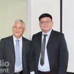 周玉山(左)、藍耀東(右)表示,目前已研發出PSPC1抗癌抑制劑,具有對PSPC1及酵素PTK6雙重抑制的效果,可控制腫瘤惡化與腫瘤轉移,提升存活率。目前正申請多國專利,研究成果刊登在《 (攝影/劉端雅)