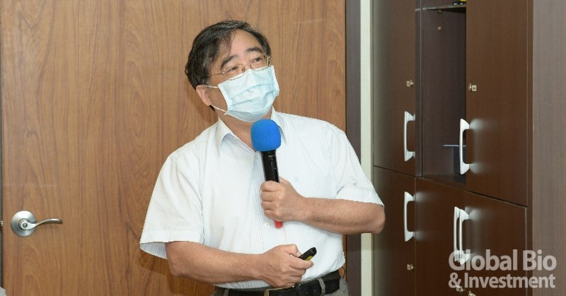 中研院原子與分子科學研究所張煥正博士。