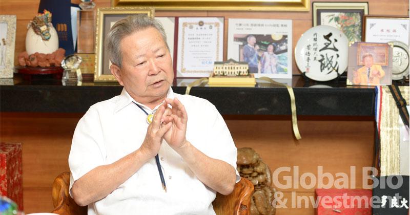 楊敏盛一生不只是一位懸壺濟世的醫師,他同時是傑出政治家、企業家。