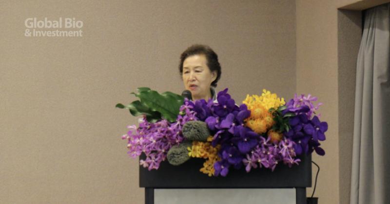 朱穗萍代表病友與病友家屬方,呼籲政府能提撥足夠預算支持 (攝影/巫芝岳)