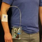 普渡大學開發便攜式臭氧貼片裝置 治療慢性傷口感染。(圖片來源:普渡大學/ Rahim Rahimi)