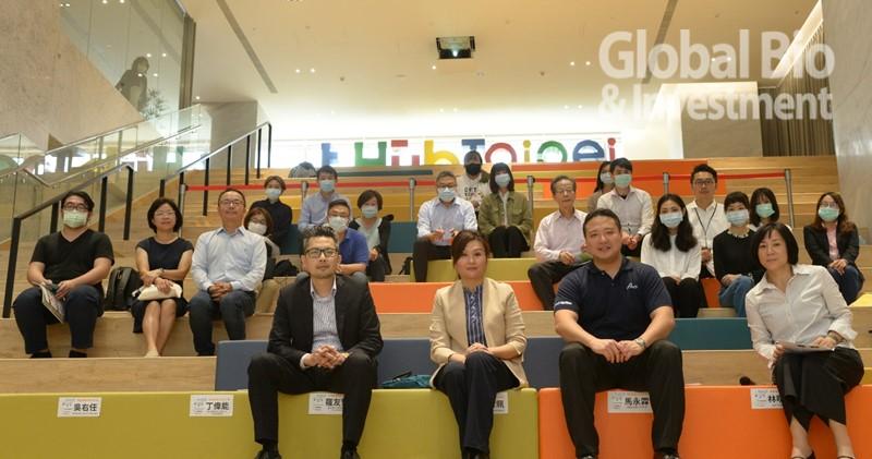 2020臺北生技小聚第四場論壇,以「邁出醫療科技深水區」為題。 (攝影/林嘉慶)