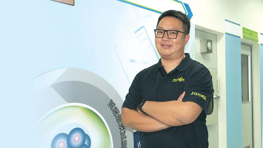 傑盟創辦人暨執行長高子傑表示,「動態培養」可不斷供應新鮮培養液,重現輸卵管的培養環境,讓受精卵成長得更好。